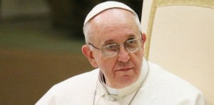 Ojciec św. Franciszek podczas audiencji w Auli Pawła VI, dn. 16.03.2013. Fot. Grzegorz Gałązka