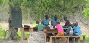 04. Szkoła pod drzewem w Akol Jal
