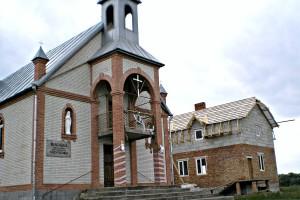 Budowa domu katechetycznego w parafii Maćkowce17