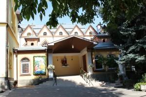 Wejście do kościoła na Greczanach