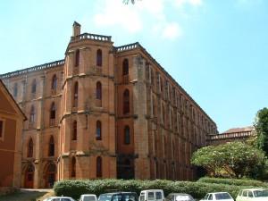Budynki I dziedziniec Collège ŚW. MICHAŁA